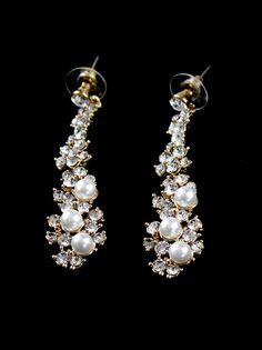 Gold Crystal Pearls Earrings US$8.00