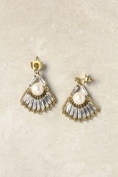 Skirted Pearl Drops #anthropologie  #deco#vintage