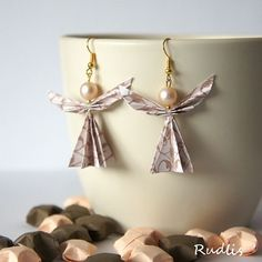 love, life and crafts Rudlis: origami angel earrings with instructions