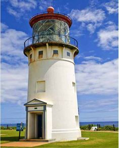 Kilauea Lighthouse – Kilauea Point North coast of Kauai, Hawaii Bass Harbor Lighthouse, Kilauea Lighthouse, Lighthouse Pictures, I Saw The Light, Light In The Dark, Houses In America, Boat Lights, Beacon Of Light, Travel Memories
