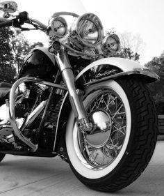 Harley-Davidson 2007 Softail Deluxe - Photography by David Feldkamp - Owner: Dean Feldkamp #harleydavidsongirlsstyle #harleydavidsonsoftail