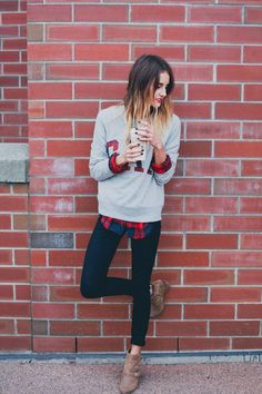 Casual weekend look with plaid a' peakin' Looks Street Style, Looks Style, Style Me, Gap Style, Pastel Outfit, Fashion Mode, Look Fashion, Womens Fashion, Fashion Ideas