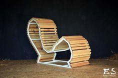 Handcrafted chair, painted in white matt steel, with smooth polished pine elements; minimal style, minimalistyczny fotel, fotel z sosnowym szprosowaniem, bezbarwnie lakierowany, Edgy O'Hara, Kraina ES