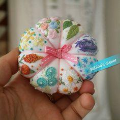 #프랑스자수#손자수#자수타그램#핀쿠션 #취미스타그램 #대전프랑스자수 #embroidery#handmade#handstitched#needlework#pumpkinpincushion#lovely #호박에줄긋기~ #호박은호박이라서예쁜거쥬~