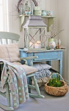 A Shabby Chic Living Room – Decorating On a Budget – Shabby Chic Talk Shabby Chic Mode, Shabby Chic Living Room, Shabby Chic Cottage, Vintage Shabby Chic, Shabby Chic Style, Shabby Chic Furniture, Shabby Chic Decor, Living Room Decor, Furniture Vintage