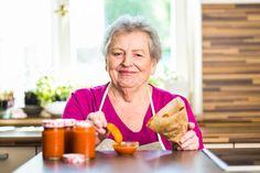 Domácí kečup je mimo jiné skvělá záminka k domácím hranolkům :-)