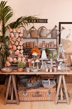 Trendy Flowers Shop Display Potting Sheds Market Displays, Store Displays, Garden Center Displays, Deco Champetre, Vibeke Design, Potting Sheds, Potting Benches, Vintage Display, Garden Shop