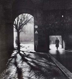 Mario Digirolamo, Entering the Eternal City, Rome, 1958. Milano Giorno e Notte - We <3 You! http://www.milanogiornoenotte.com