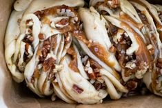 Sticky babka cake folded and twisted in multiple layers of dough filled with maple syrup caramel and pecan nuts. A crossover between sticky buns and babka! Babka Cake, Babka Bread, Pecan Recipes, Cooking Recipes, Bread Recipes, Cooking Tips, Cake Recipes, Dessert Recipes, Desserts