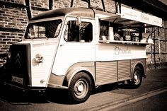 Citrönchen espresso truck.    Love Citroens especially the 2CV.    Haven't seen anything like this!   Wish we had Espresso Carts like this one!   Wow!