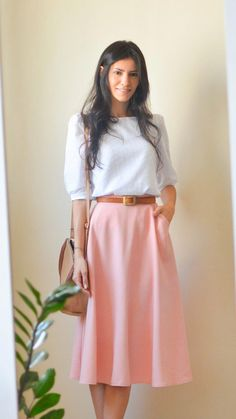Summer Work Outfits Ideas for Office Women to Try – Trendy Fashion Ideas Modest Dresses, Modest Outfits, Classy Outfits, Skirt Outfits, Stylish Outfits, Dress Skirt, Work Fashion, Modest Fashion, Skirt Fashion