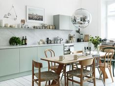 love the light and colors and ball pendant  (Foto: Petra Bindel)