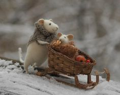 Handmade stuffed mice by Natasha Fadeeva