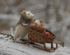 Handmade stuffed mice by Natasha Fadeeva