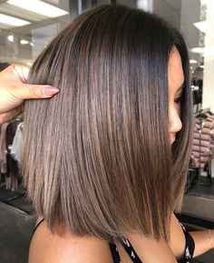 Pretty Balayage Ombre Hair Color Ideas 2018 For Every Woman - # for . - Pretty Balayage Ombre Haarfarbe-Ideen 2018 für jede Frau - Pretty Balayage Ombre Hair Color Ideas 2018 For Every Woman - Medium Hair Cuts, Medium Hair Styles, Natural Hair Styles, Short Hair Styles, Natural Beauty, Haircut Medium, Bob Styles, Natural Hair Color Brown, Cute Medium Haircuts