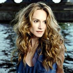Holly Hunter ~ So she can play the piano for me :o) She is an extremely multi-talented person! Beautiful People, Beautiful Women, Amazing Women, Female Of The Species, Actor Studio, Smart Women, Female Stars, Hollywood Stars, Famous Faces