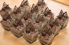 Semifreda a kelímky Decorative Boxes, Ice Cream, Chocolate, Desserts, Food, No Churn Ice Cream, Tailgate Desserts, Deserts, Icecream Craft