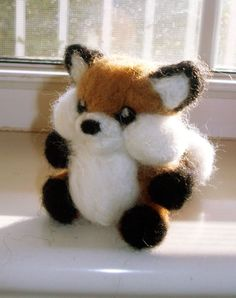 Needle Felted Fox. Oh my goodness, look at his chubby cheeks!