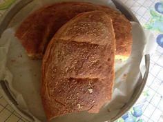 Υλικά 1 κιλό αλεύρι για ζυμωτό ψωμί 15 γρ. ξερή μαγιά 3 κ.γ. αλάτι νερό χλιαρό προς το κρύο όσο πάρει Εκτέλεση Βάζουμε όλα τα υλικά μαζί εκτός από το αλάτι σε μια λεκάνη. Ζυμώνουμε για 10 λεπτά. Λι… Bread, Food, Brot, Essen, Baking, Meals, Breads, Buns, Yemek