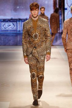 http://www.style.com/slideshows/fashion-shows/spring-2016-menswear/etro/collection/8