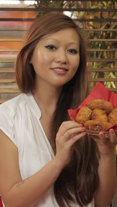 Ham croquettes - Travel to Spain with this classic tapas recipe. Cooking With Kids Easy, Cooking Recipes For Dinner, Shrimp Recipes For Dinner, Tapas Recipes, Shrimp Recipes Easy, Easy Meals For Kids, Meat Recipes, Healthy Dinner Recipes, Asian Recipes