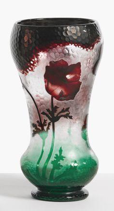 """c.1905 Daum """"Anemones"""" Vase engraved DAUM/NANCY with the Croix de Lorraine"""