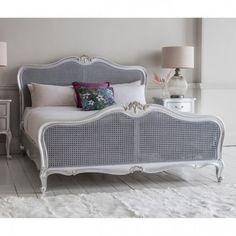 This silver lead Chic bedstead features a natural woven rattan headboard and footboard with a hand carved mahogany piece in a Silver leaf finish. Oak Furniture House, Silver Furniture, Bedroom Furniture, Modern Furniture, Furniture Design, Wooden King Size Bed, King Size Bed Frame, Cama Super King Size, Silver Bedding