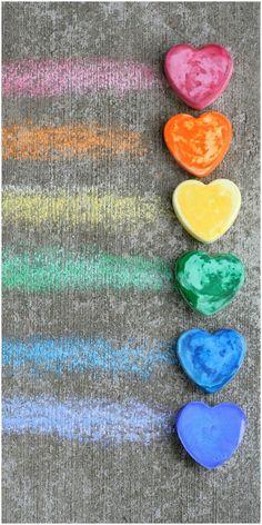 Make Your Own Sidewalk/Pavement Chalk #DIY #preschool #homeschool