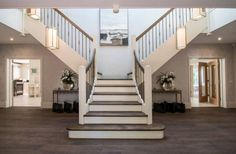 Best Front Entrance Beautiful Double Sided Staircase House 640 x 480