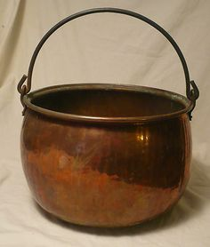 Antique Large Hand Forged Hammered Copper Cauldron Pot with Iron Handle Copper Decor, Copper Art, Copper And Brass, Hammered Copper, Antique Copper, Copper Utensils, Copper Kitchen, Tea Pots, Metal