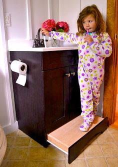 Vanity drawer step stool from Ana White – such a great use of space! No more tripping over the kid's step stool!
