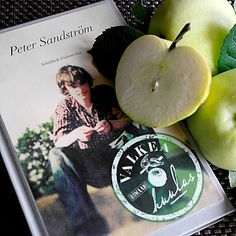 Kirja vieköön!: Peter Sandström - Valkea kuulas Books 2016, Good Books, Apple, Fruit, Apple Fruit, Great Books, Apples