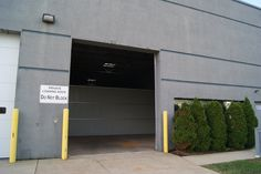 Huge 825 sq ft drive up 24 hours access storage unit available today with 12 foot & U-Stor-It in Streamwood with drive up self storage units some with ...