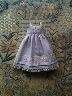Trousseau collection - Dove Grey shift dress for Blythe dolls
