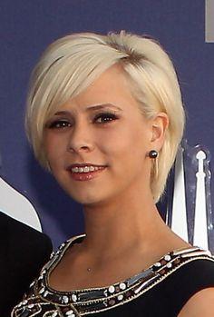 Holly Sweeney Short Bob Haircut   Hairstyles Weekly
