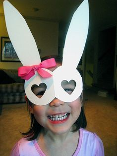 Your kid will get a kick out of seeing the world through these silly rabbit glasses! #Easter http://www.ivillage.com/kids-easter-crafts/6-b-336801#336808