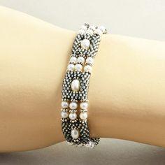 Pearl Bracelet White Gray Beaded Bracelet Sterling by NansGlam
