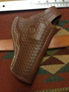 Ruger-Redhawk-44Mag-4-Thumb-Break-Leather-Holster-w-Basket-Weave-Pattern-Logo
