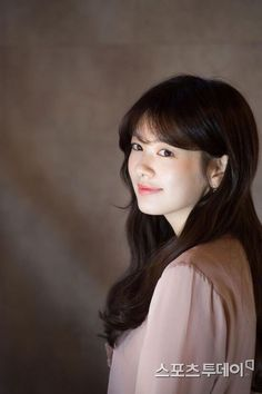 Young Actresses, Korean Actresses, Asian Actors, Korean Actors, Actors & Actresses, Jung So Min, Song Hye Kyo Style, Baek Seung Jo, Korean Drama Series