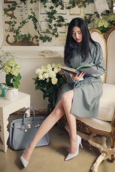 밀크코코아 감성화보 : 네이버 블로그 Office Looks, Yoona, Korean Women, Woman Fashion, Human Body, Asian, Street Style, Blue, Outfits