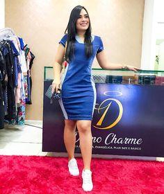 Chubby Fashion, Girl Fashion, Fashion Dresses, Womens Fashion, Fall Floral Dress, Suzy, Ideias Fashion, Bodycon Dress, Poses