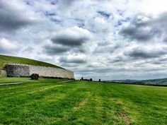 The Dramatic Newgrange Tomb and the Boyne Valley in Ireland