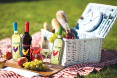 Wine, cheese and fruit equal summer picnic bliss! Wicker Baskets, Picnic Baskets, Summer Picnic, Food To Make, Yummy Food, Table Decorations, Fruit, Recipes, Wine Cheese