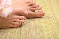 Verschwende nicht dein Geld für Pediküre: Verwende zwei Zutaten aus der Küche und deine Füße werden wieder strahlen - Gesunde Tipps