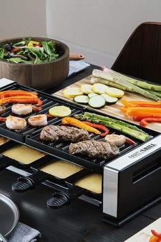 Indoor Tabletop Raclette Grill - Indoor Grill - Ideas of Indoor Grill - A raclette grill makes gatherings even more social. The tabletop Party Grill is inspired by a Swiss tradition. Explore all the ways you can cook with it. Cool Kitchen Gadgets, Kitchen Items, Kitchen Stuff, Kitchen Tools, Kitchen Decor, Kitchen Appliances, Grilling Tips, Grilling Recipes, Cooking Gadgets