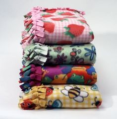 No-Sew Fleece Blankets. I love these :)