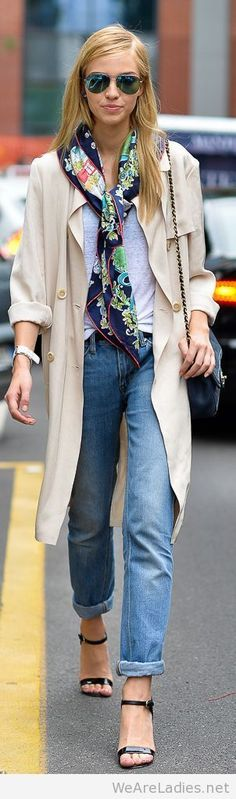 Best 125 Catchiest Scarf Trends for Women in 2017 https://fazhion.co/2017/03/22/125-catchiest-scarf-trends-women-2017/ A scarf is not just a piece of cloth that women wear around the neck or over the shoulders for warmth. There are some women who wear scarves to keep warm and fight the cold weather,  take a look at the catchy and amazing ideas that are presented here.