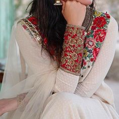 Latest Pakistani Party Wear Dresses Fashion Of 2017 – Business Loans and Ideas Pakistani Party Wear Dresses, Pakistani Outfits, Indian Dresses, Indian Outfits, Net Dresses, Indian Saris, Girls Dresses, Indian Attire, Indian Ethnic Wear