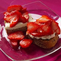 Homemade Strawberry Bruschetta Recipe  A deliously sweet and flavorful WW breakfast or dessert idea, this Strawberry Bruschetts is sure to impress! Rather than indulge in a high calorie dessert, try this palate pleaser instead, for just 5 Points + per serving. It'll make a great addition to your Mother's Day Breakfast or as a weekday dessert idea.