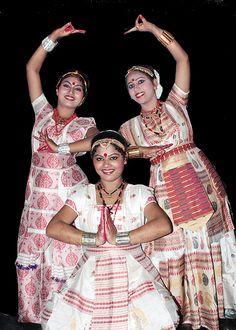 Satriya Dance of Assam - India Folk Dance, Dance Art, Bollywood, Northeast India, Indian Classical Dance, Kinds Of Dance, Amazing India, Tribal Dance, Indian Music